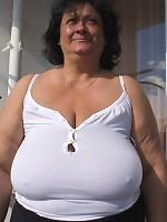 naked big boobs on beach