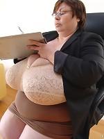 huge wet boobs hard nipples