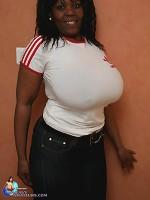 tit licking kissing big boobs