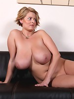 very highheels and boobs gallery