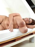wanda sykes boobs out the blouse