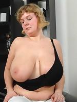 sucking my moms big boobs