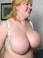 wat is the biggest boobs ever