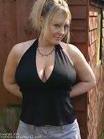 girls showing their big boobs