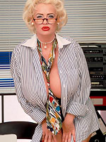 geeky girl with big boobs