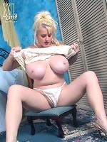 nudes with big boobs photos