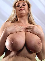 big bouncing boobs on love chair