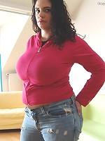 100 free big boobs pics