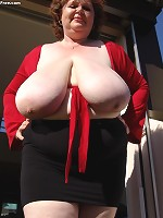 fake boobs that look real